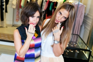 Pulseiras de mão - acessório de mão - pulseira de mão - miroslava duma pulseira de mão blog vr bijoux