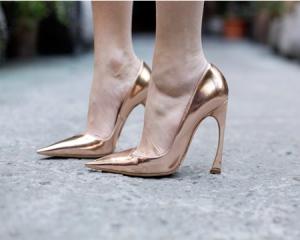 sapatos-metalizados-dourado