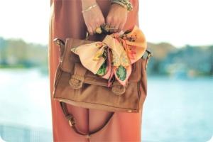 lenco amarrado na bolsa blog vr bijoux (5)